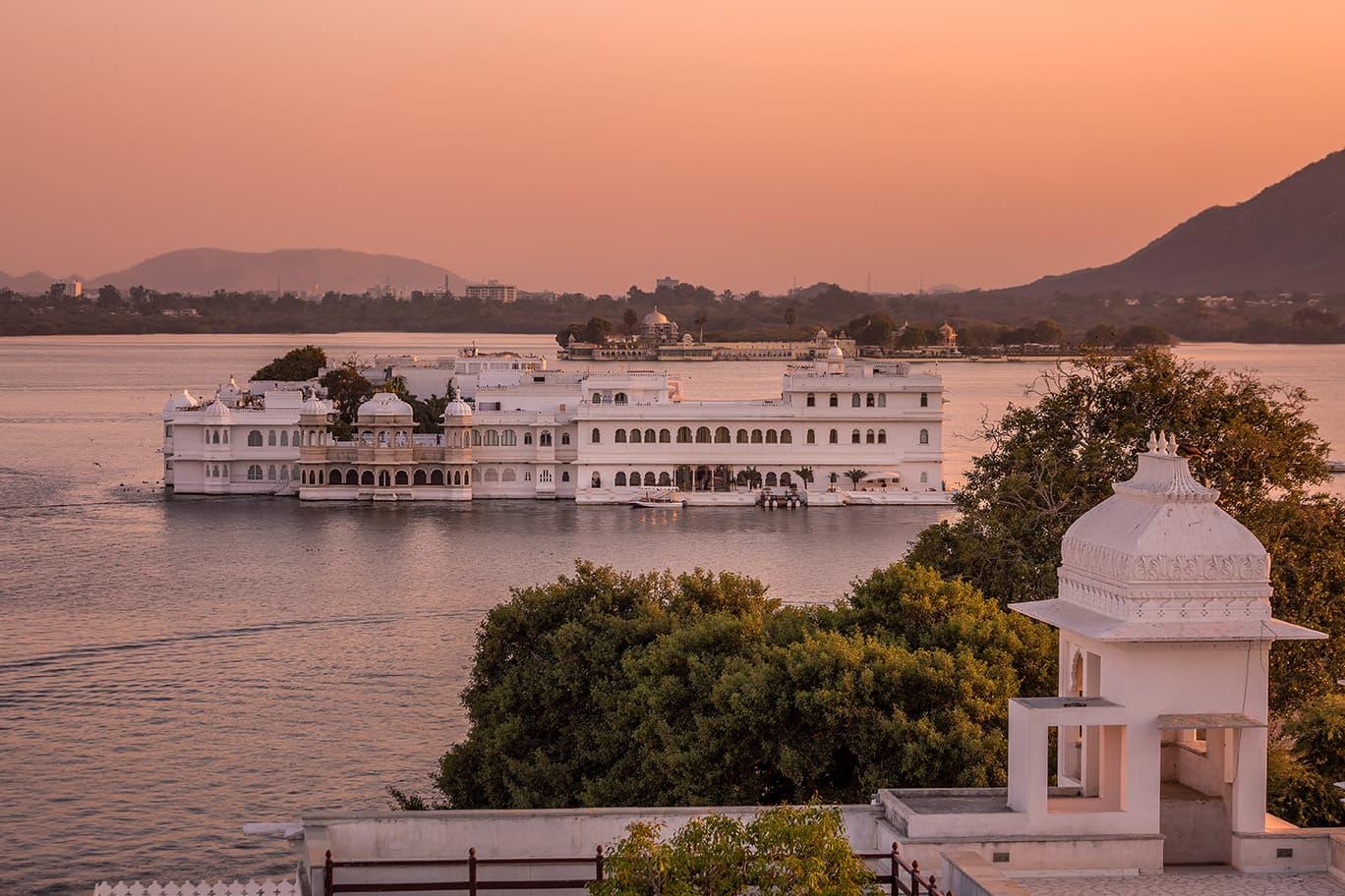 ehl-taj-lake-palace