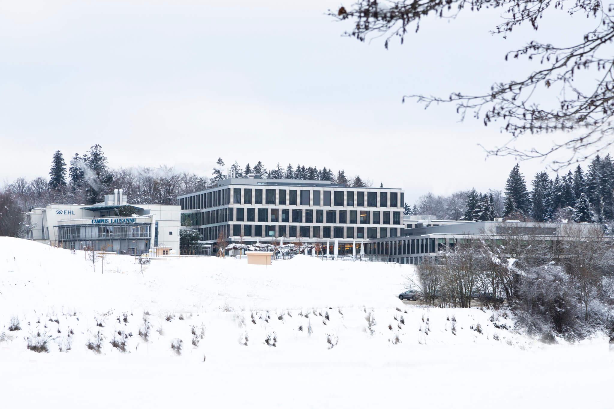 EHL-in-Snow_Campus-1-2048x1365