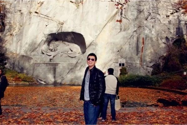 Teven Yan geniesst seine Freizeit in der Schweiz und reist nach Luzern